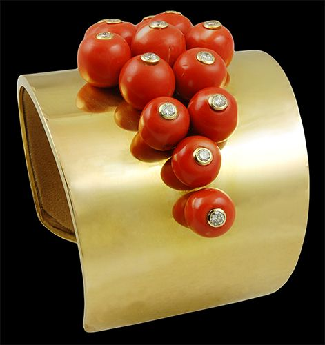 18k. Gold Coral Beads & Diamond Cuff Bracelet - Yafa Jewelry