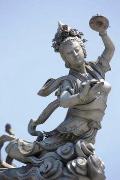 Znalezione obrazy dla zapytania buddhist angel