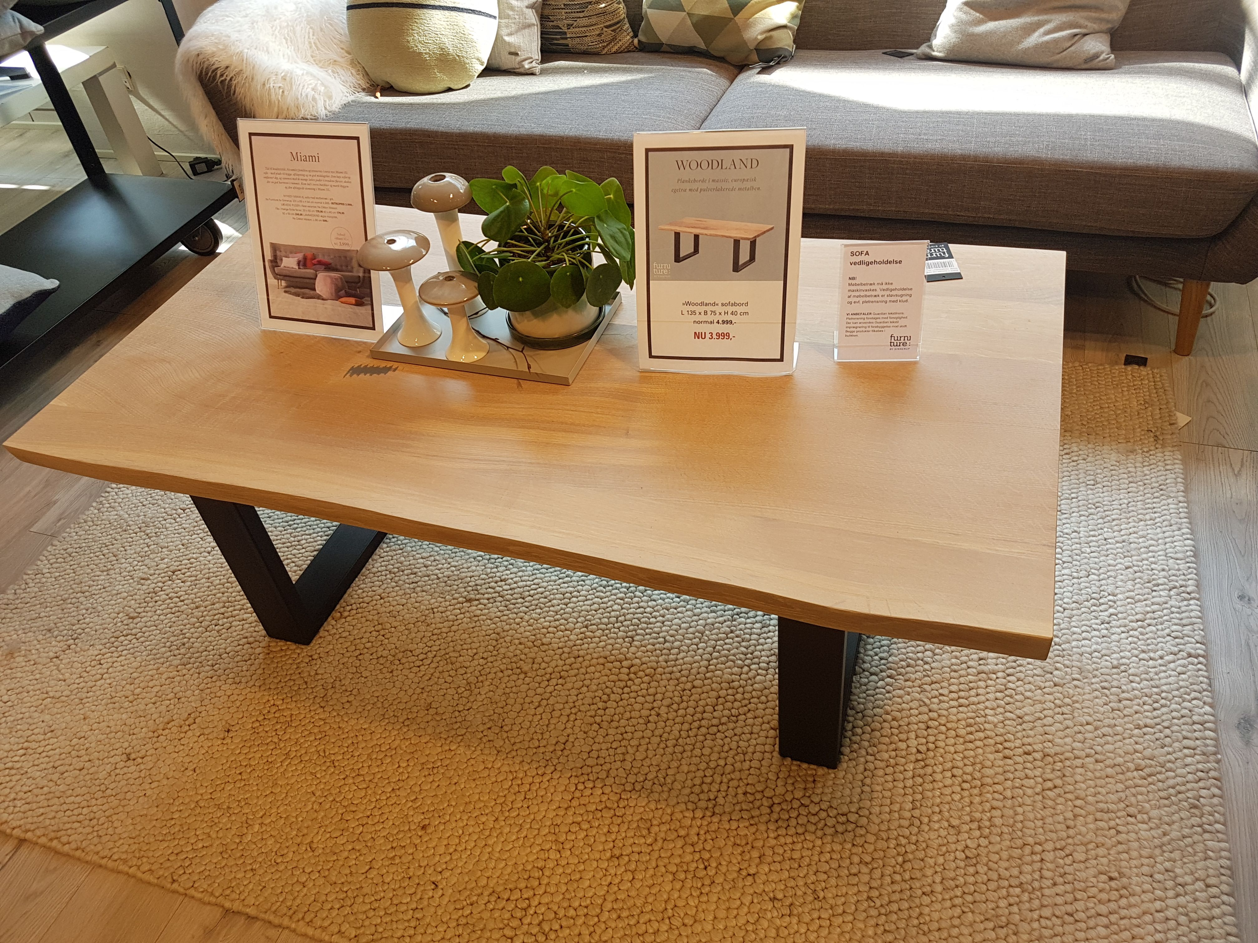 Coffee Table In 40 Mm Solid Oak From Lignas