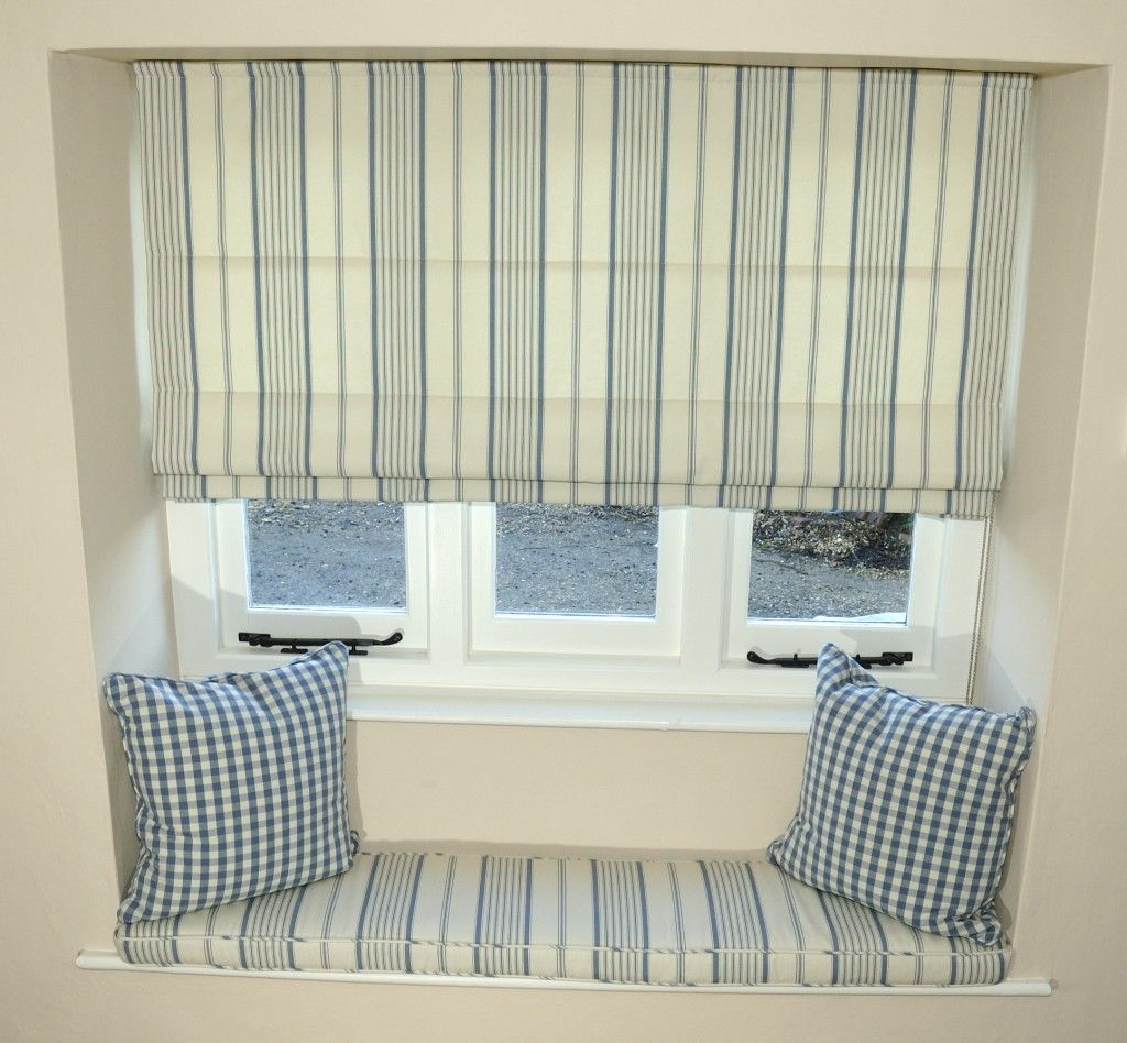 Cottage style window coverings dress up your country for Decor blinds and shades