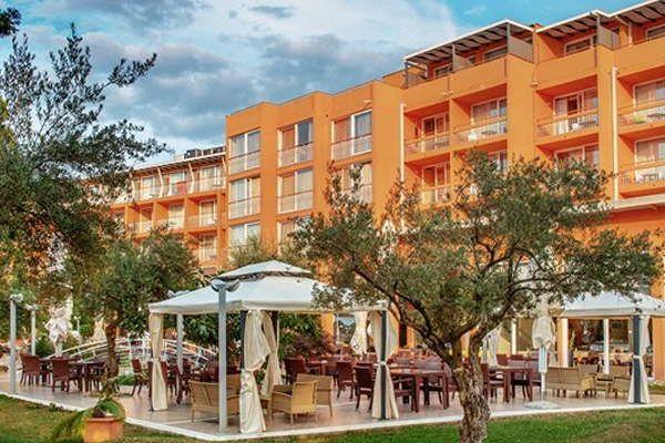 Hotel Sol Umag Algemeen Hotel Sol Umag Een Comfortabele Hotel Ligt In Het Vakantiecomplex Punta Ca 1 Km Van Het Vakantieplaatsje Umag Voor Het Hote Kinderbad