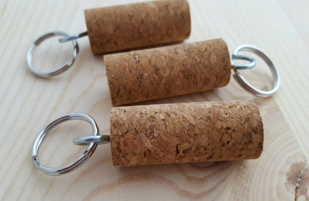 Diy Craft Learn How To Make A Wine And Cork Keychain Cork Key Chain Keychain Craft Wine Cork