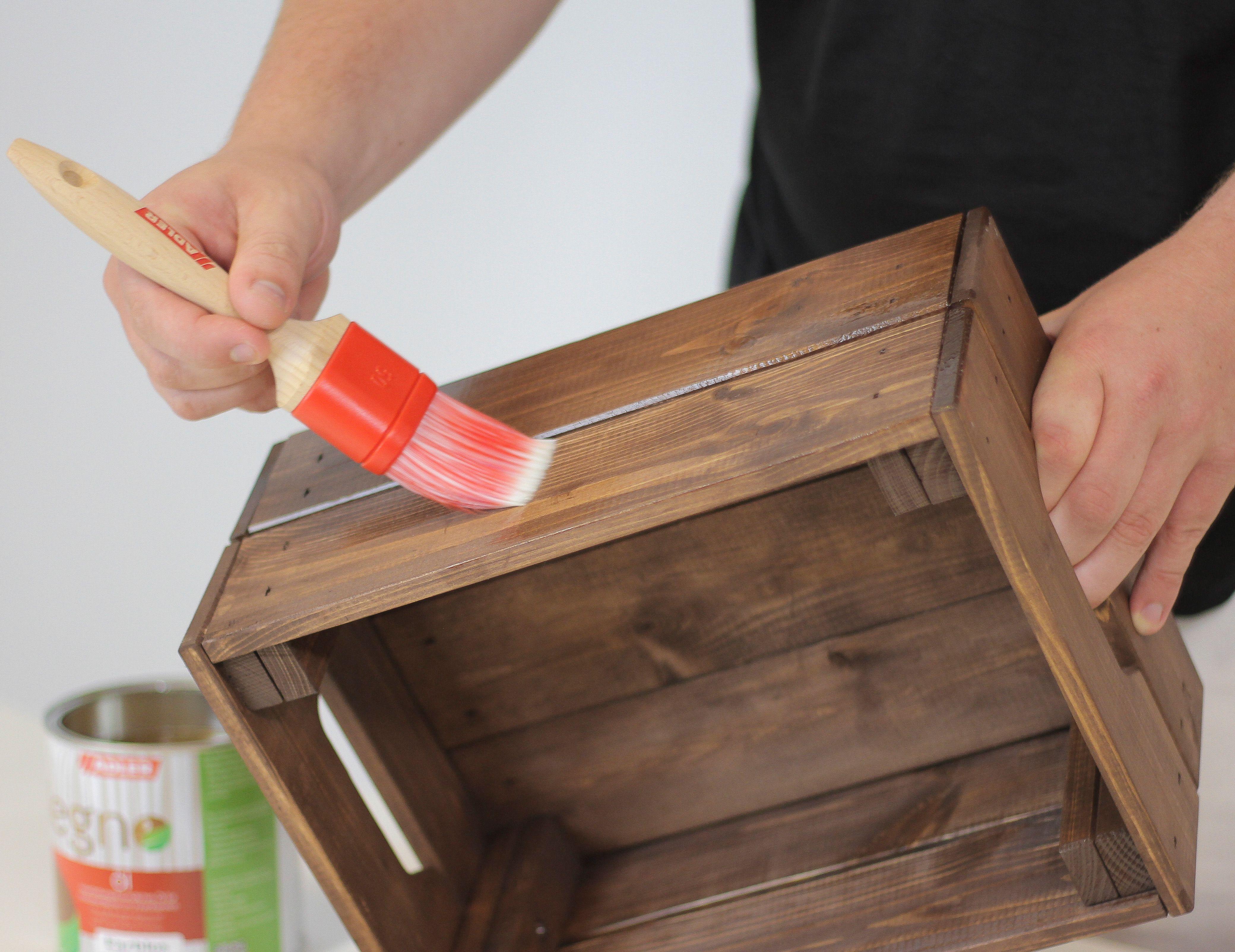 weinkisten lasieren mit legno-color von adler: https://www.adler