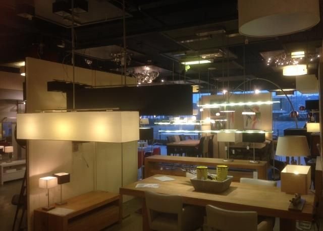 Showroom winkel interieur verlichting . Landelijke industriele ...