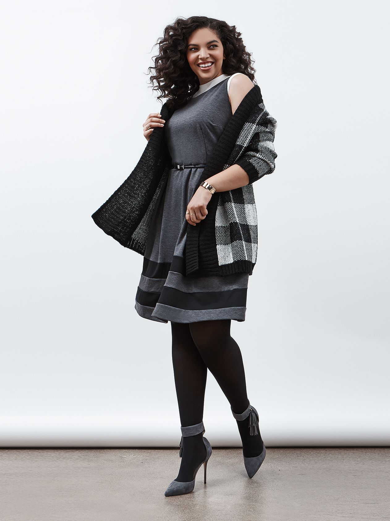 f6a217db6e7668 5 Fresh Ways to Style a Sleeveless Dress for Winter
