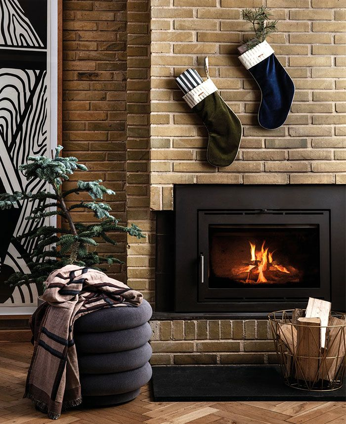 Fireplace Trends 2020.Christmas Decorating Trends 2019 2020 Colors Designs