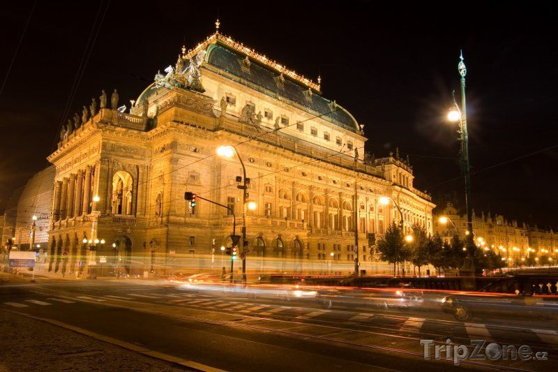 Narodni Divadlo, Praha, Ceska Republika (National Theater, Prague, Czech Republic)