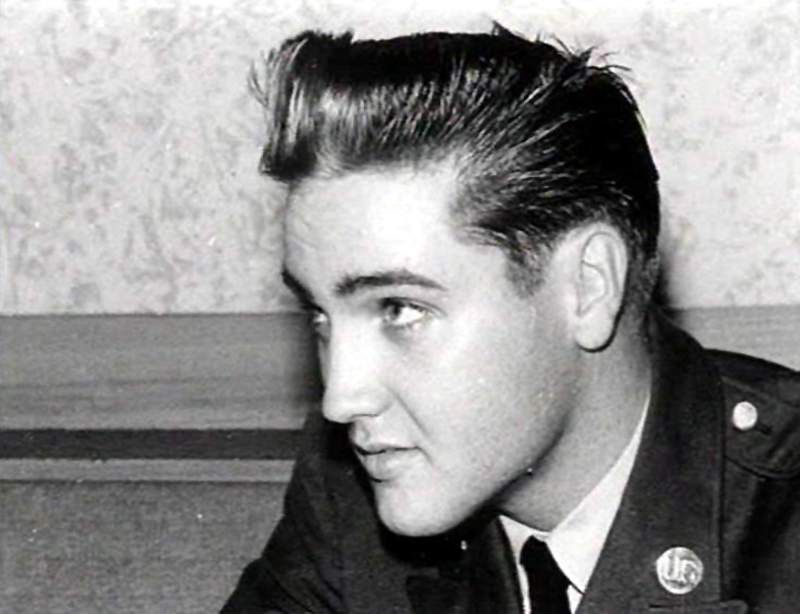 Elvis in a  press conference in Friedberg in Germany in october 2 1958. After the official press conference Elvis met a reporter for a private interview.