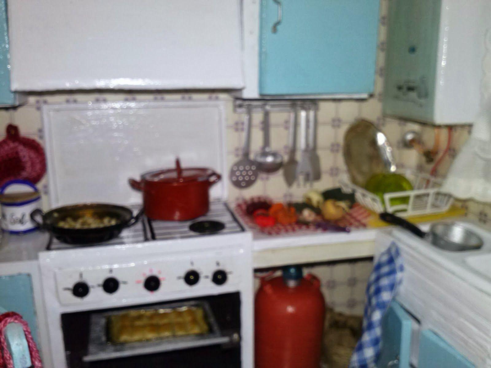 Un mundo en miniaturas: Cocina de los años 70   Puesta en escena ...