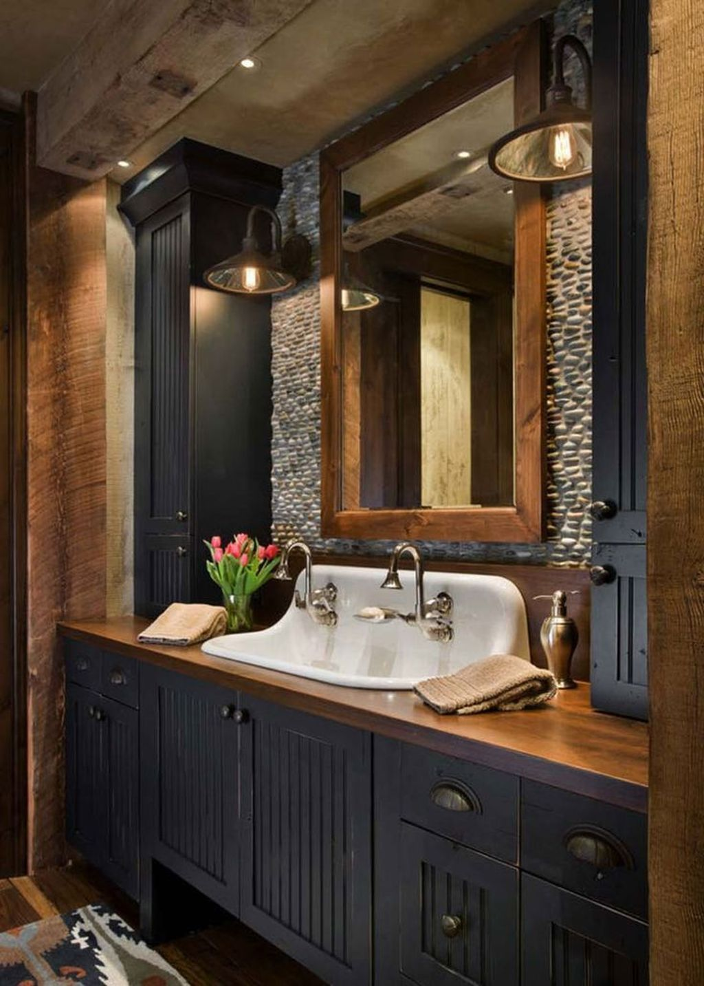 32 Awesome Rustic Bathroom Decorating Ideas Belihouse In 2020 Western Bathroom Decor Rustic Bathroom Vanities Western Bathrooms