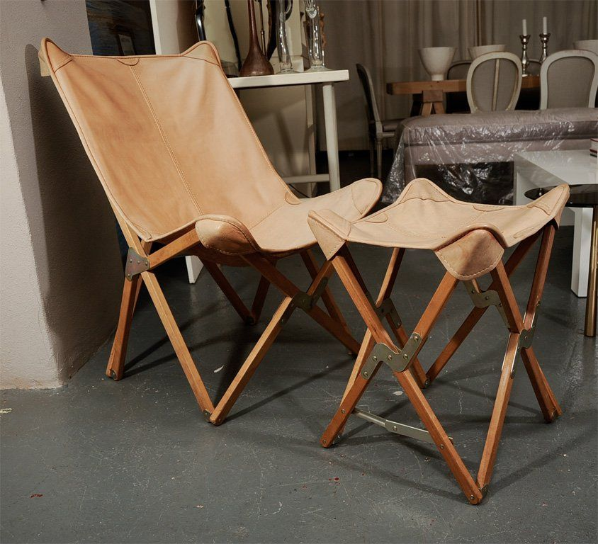 2 Grote Stoelen.Folding Butterfly Chair And Stool 2 Stoelen En Jagers