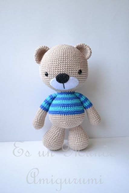 Free Teddy Bear crochet pattern - Amigurumi Today | 640x427