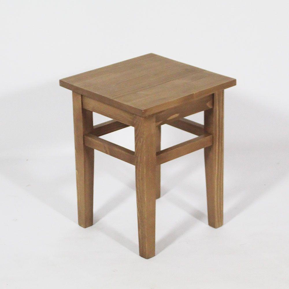 Tabouret bas en pin massif. http://www.made-in-meubles.com ...