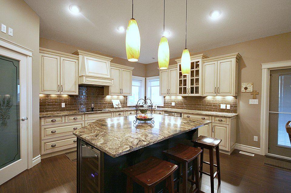 Classic Kitchen Warm And Elegant Gem Cabinets Ltd Classic Kitchens Custom Home Builders Home