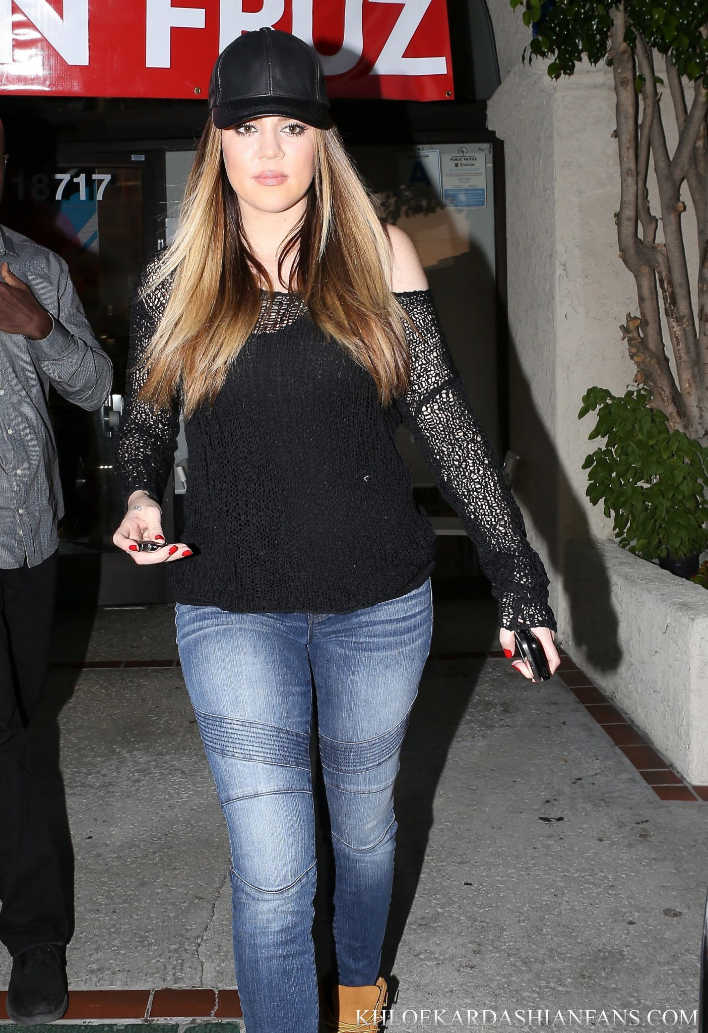 Khloe Sporting Her Kardashian Kollection Moto Jeans And Look