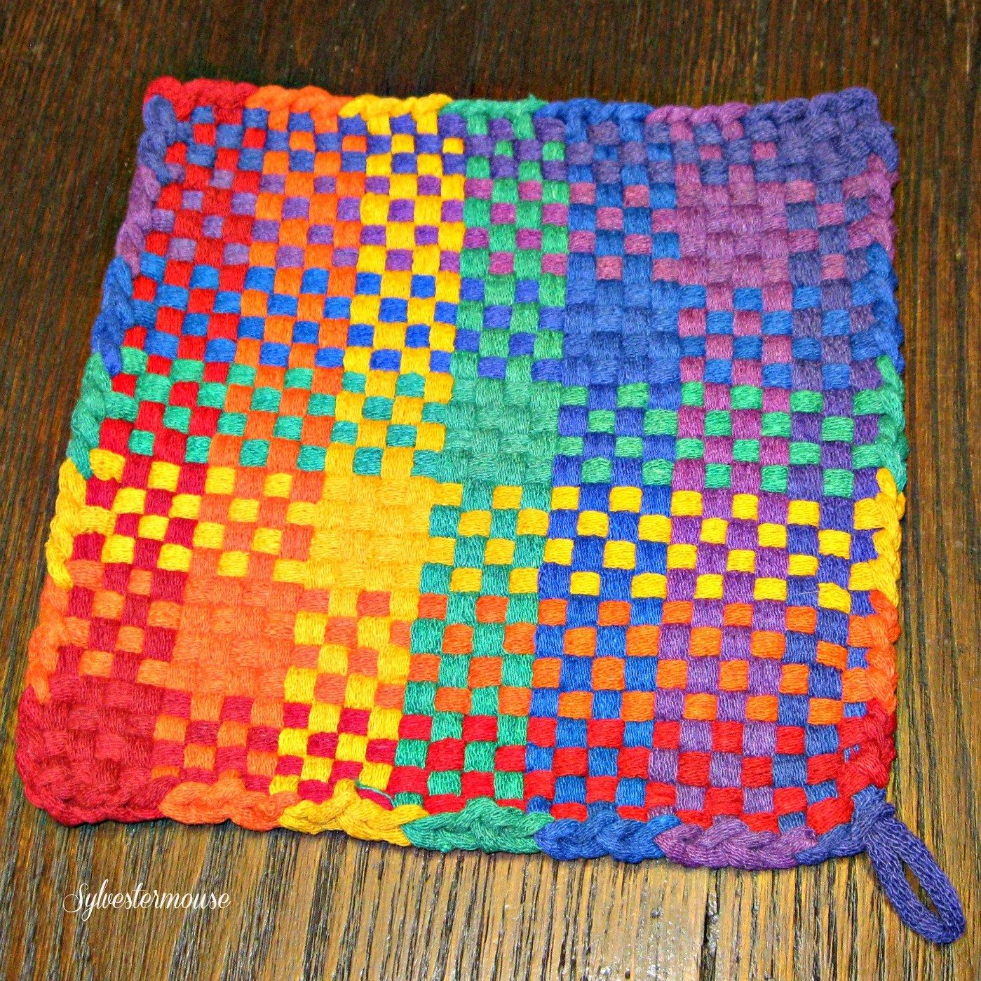 Potholder Pro Looms How To Make Large Potholders Crafters Kingdom Crafting With Sylvestermouse Potholder Patterns Potholder Loom Loom Craft