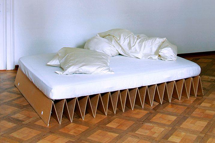 Het ITbed is gemaakt van 7 mm dik karton en wordt