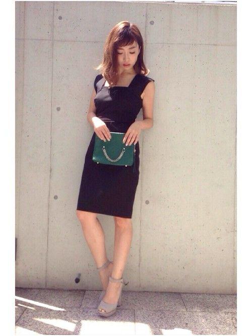 25a5fb9999ed2 シンプルでラインがきれいな黒のドレス差し色メリハリコーディネート参考画像1 MEER. s ownerのZUさん