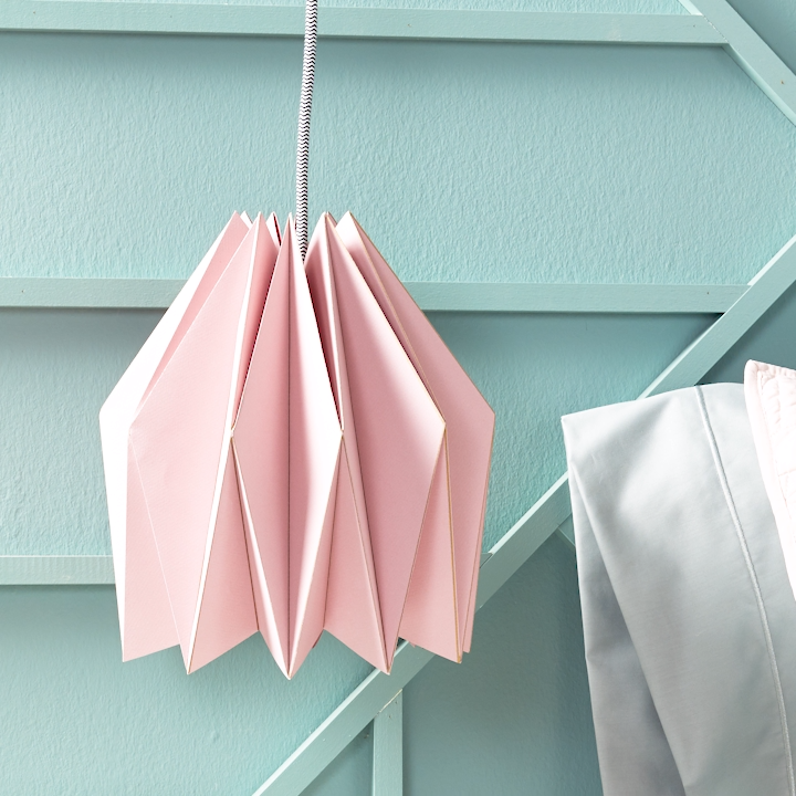 Learn how to make this affordable geometric lampshade, then hang your modern lighting in a bedroom, dining room, or office. #origami #pendantlight
