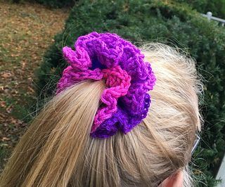 Crochet Scrunchies are All the Rage #crochetscrunchies