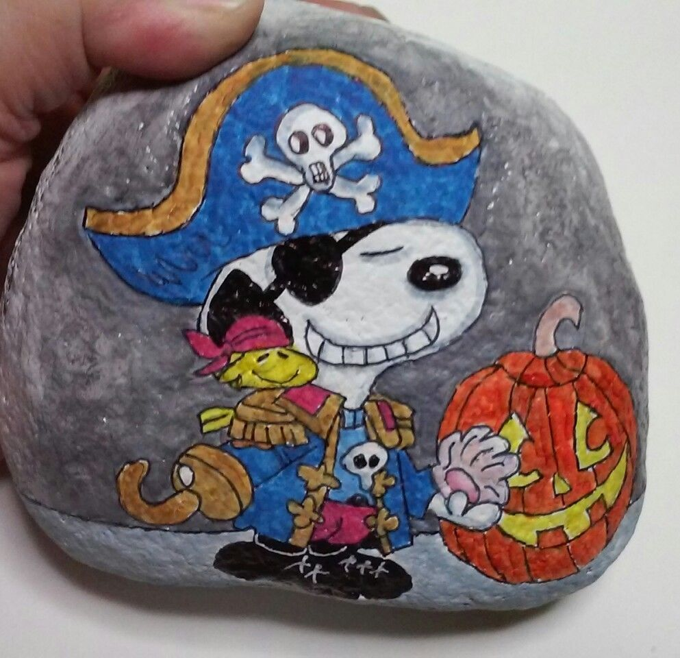 Hand Painted Art Rock Stone Halloween Peanuts Snoopy
