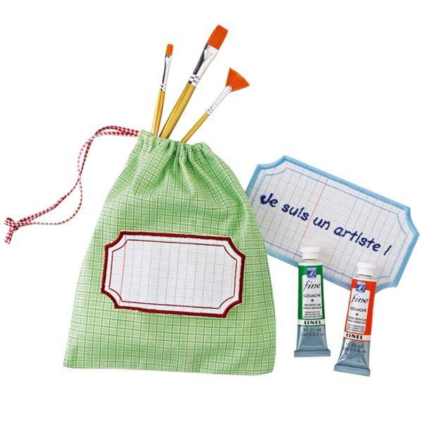 Lot de 2 étiquettes à broder http://www.boutiquemarieclaire.com/catalogue/loisir-creatif/broderie/lot-de-2-etiquettes-a-broder.html