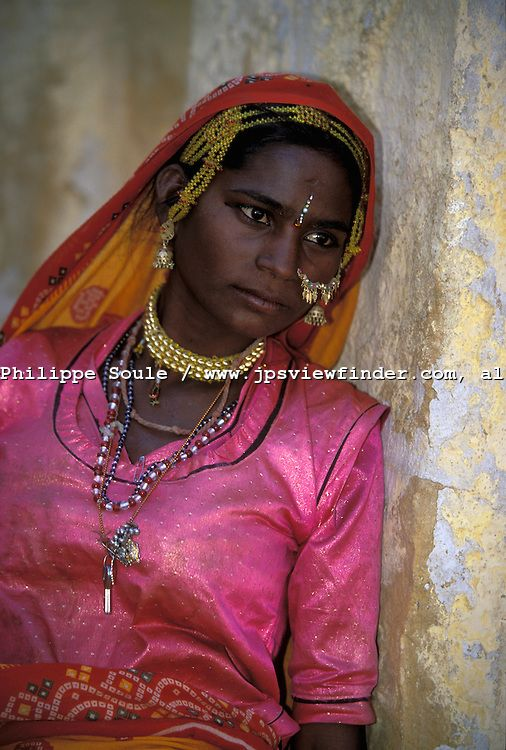 bopa gypsy people of the rajasthan desert pushkar india puli of the bopa caste lives on the. Black Bedroom Furniture Sets. Home Design Ideas