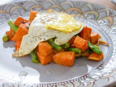 Sweet potato asparagus hash with fried eggs recipe trisha sweet potato asparagus hash with fried eggs forumfinder Image collections