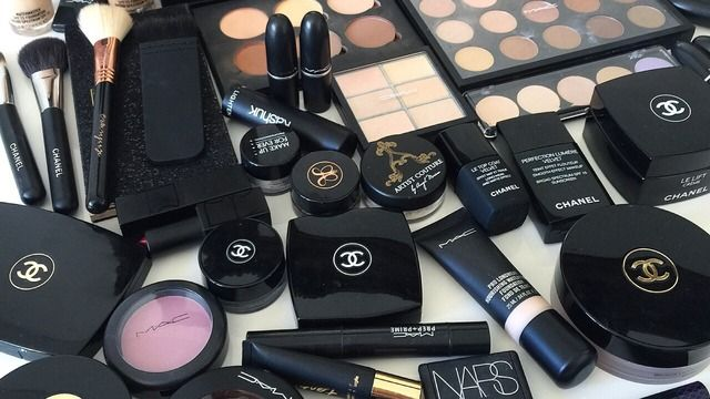 aesthetic makeup