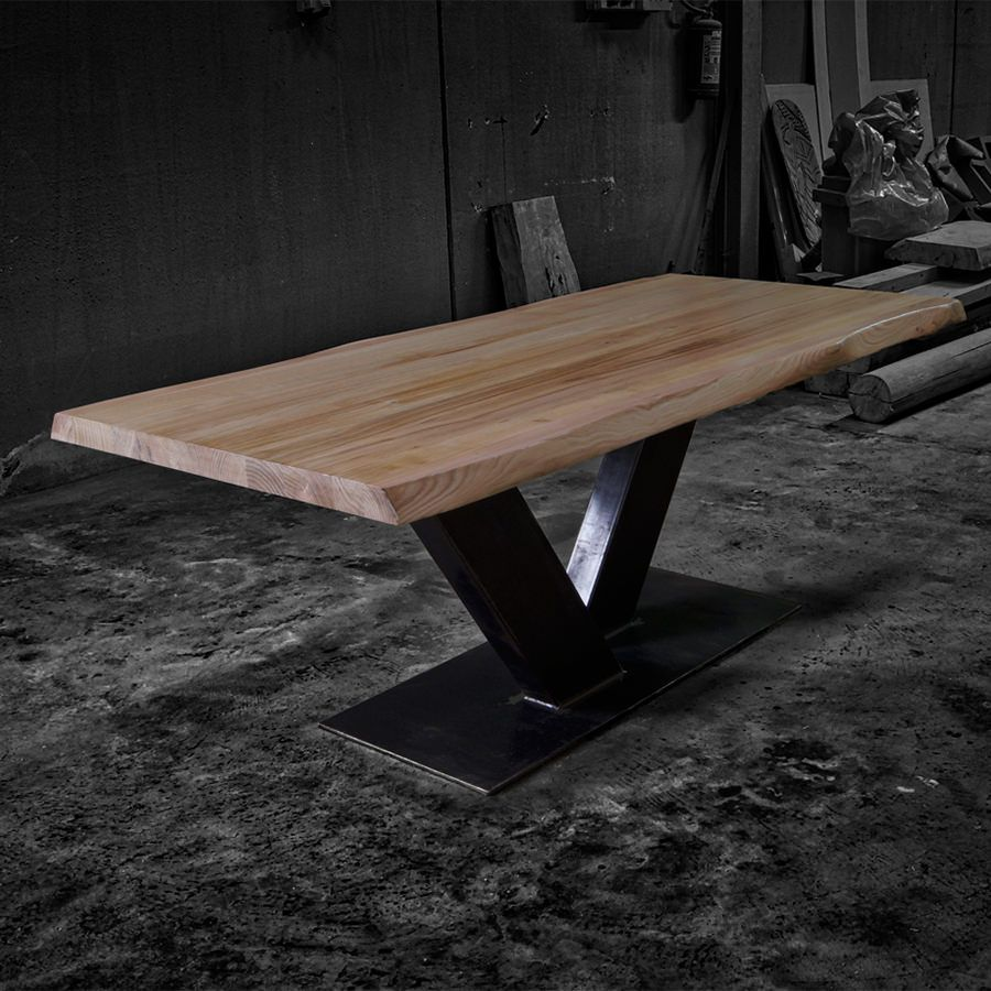 Tavolo Con Gamba Centrale tavolo in legno massello di castagno con gamba centrale in
