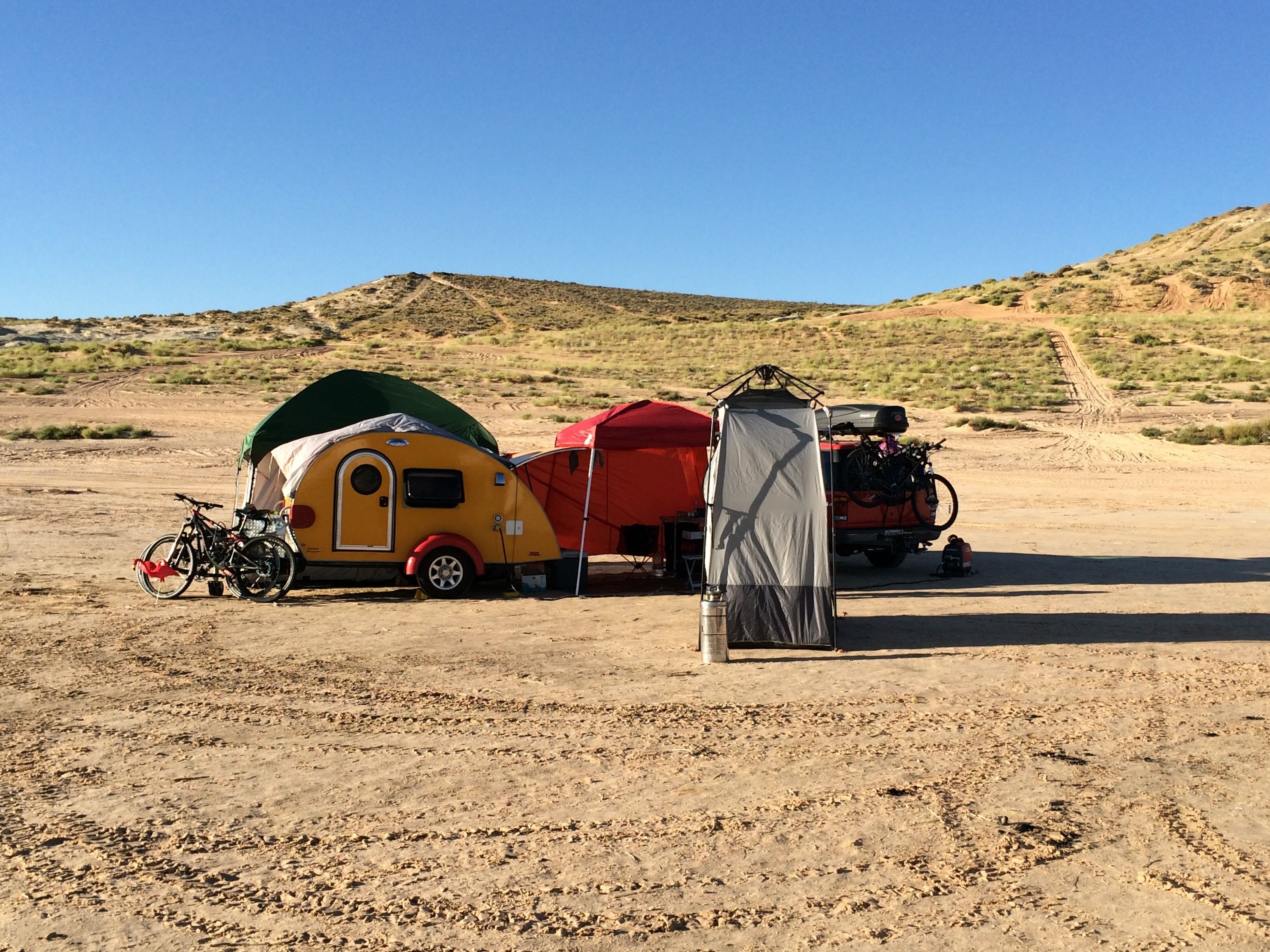Addie & her PahaQue tent at Lake Powell. All set up for an adventurous week on the lake!