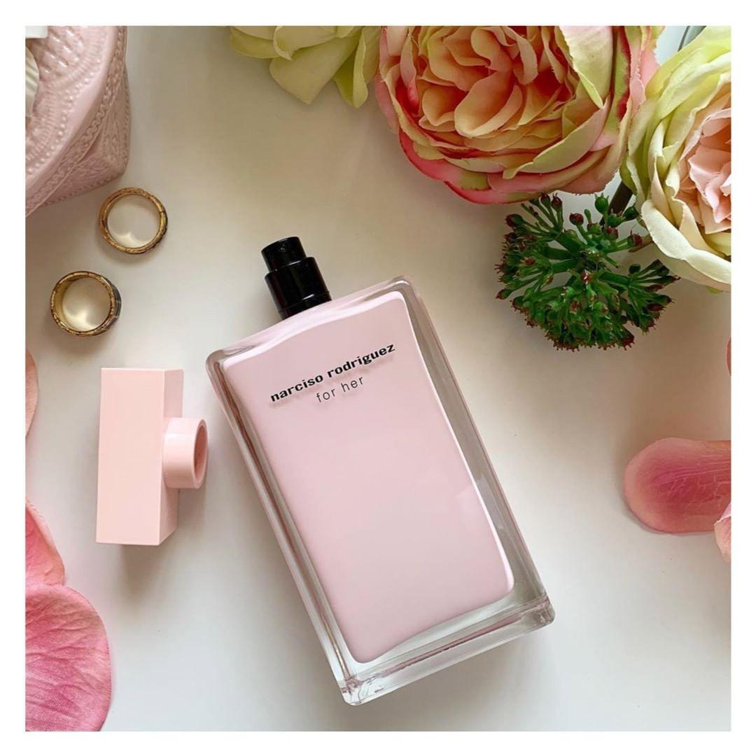 اضغط على الصورة للحصول على كود خصم موقع قولدن سنت على جميع المنتجات للمزيد من الكوبونات زرور موقعنا كوبون جديد Couponjadide Com Perfume Bottles Perfume Beauty