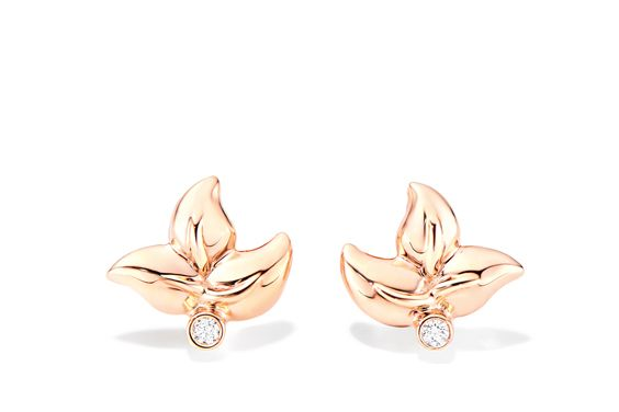 FAIRY earrings adorned with a bright Diamond.