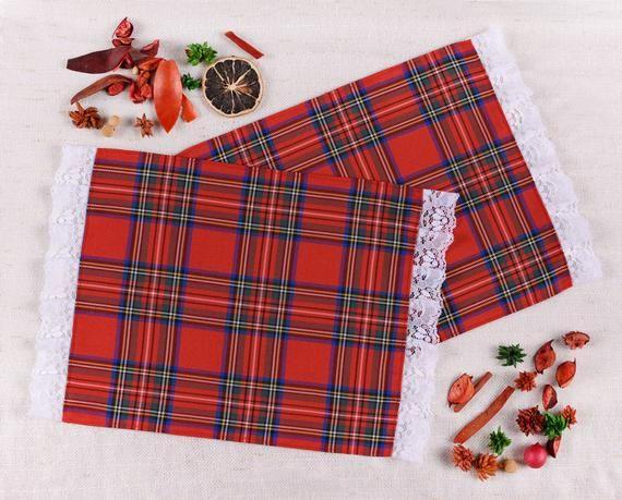 Checked Cloth Napkin - READY TO SHIP!! - The Perfect Gift - Handmade - Red Napkin - White Lace - Tar #clothnapkins