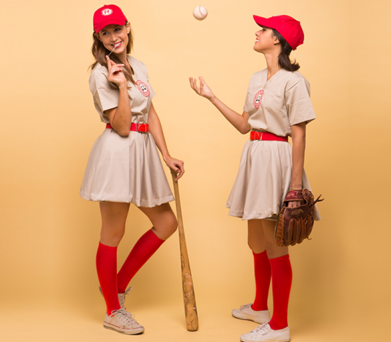 18 DIY Halloween Costumes  #15 DIY u002740s Womens Baseball Costume | MYSA //.foreo.com/mysa/18-diy-halloween-costumes#slide-15  sc 1 st  Pinterest & 18 DIY Halloween Costumes : #15 DIY u002740s Womens Baseball Costume ...