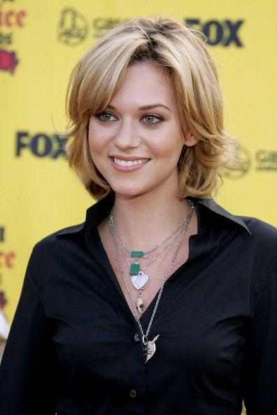 Hilarie Burton Hair- short hair styles...I love her and her hair!
