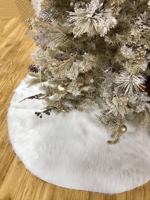 Faux Fur Christmas Tree Skirt White Faux Fur Tree Skirt Fur Etsy Fur Tree Faux Fur Tree Skirt Burlap Christmas Tree