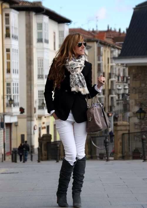 61425c2ae5c Pantalon blanco con botas negras | Atuendos Pao | Pantalones blancos ...