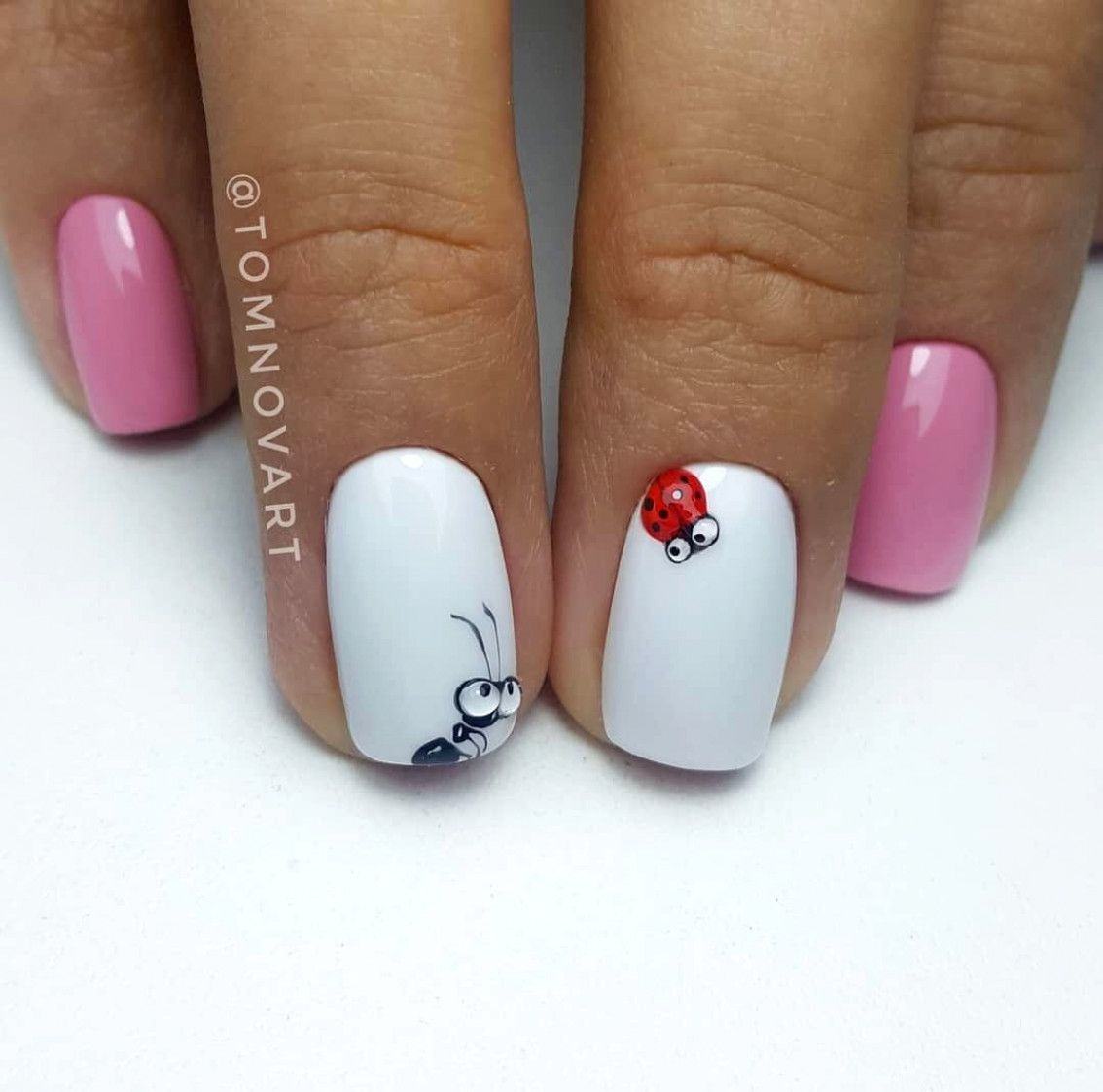 Polish Your Nails In The Colors Of Your Favorite Football Team