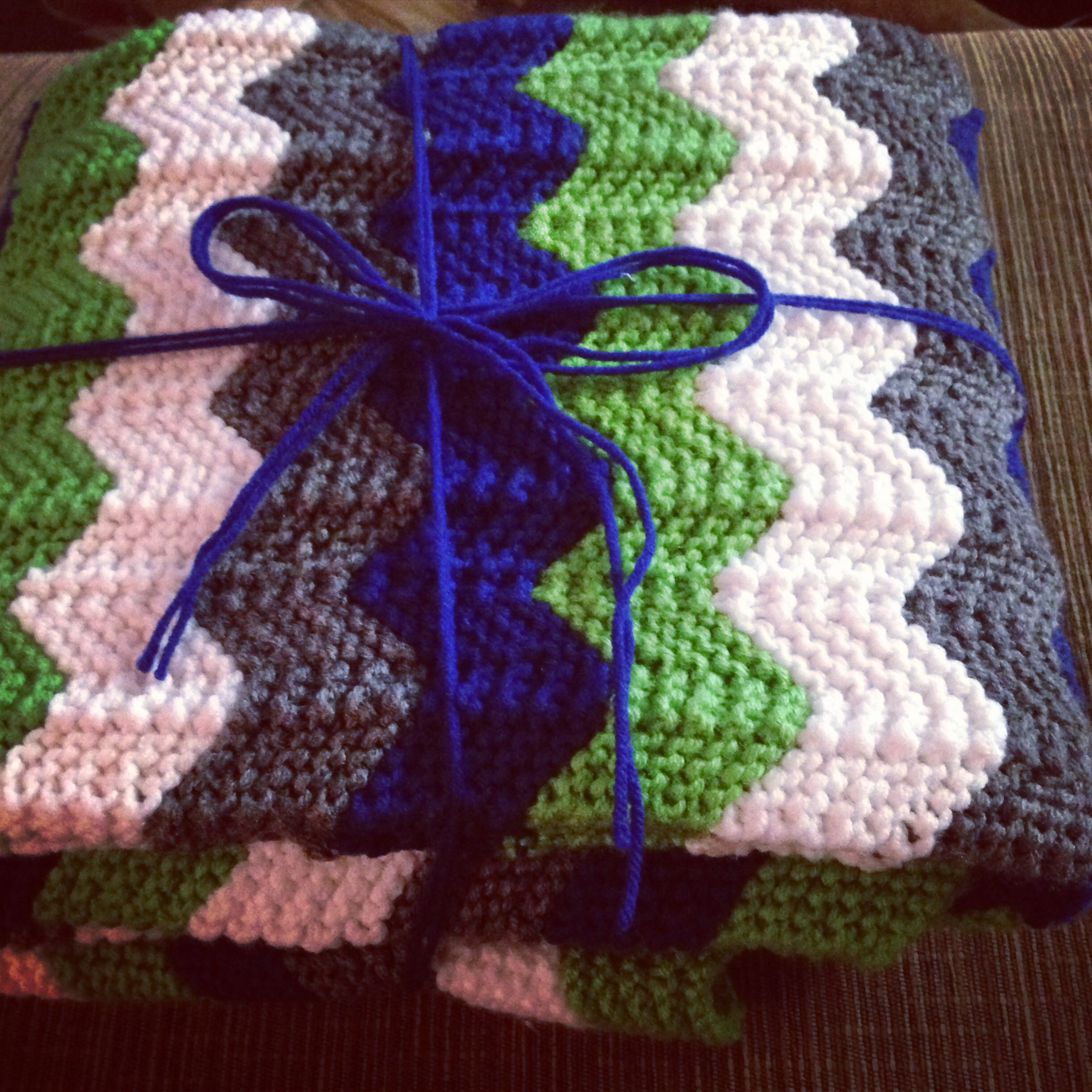 Knit chevron blanket in Seahawk colors. | Yarnage | Pinterest ...