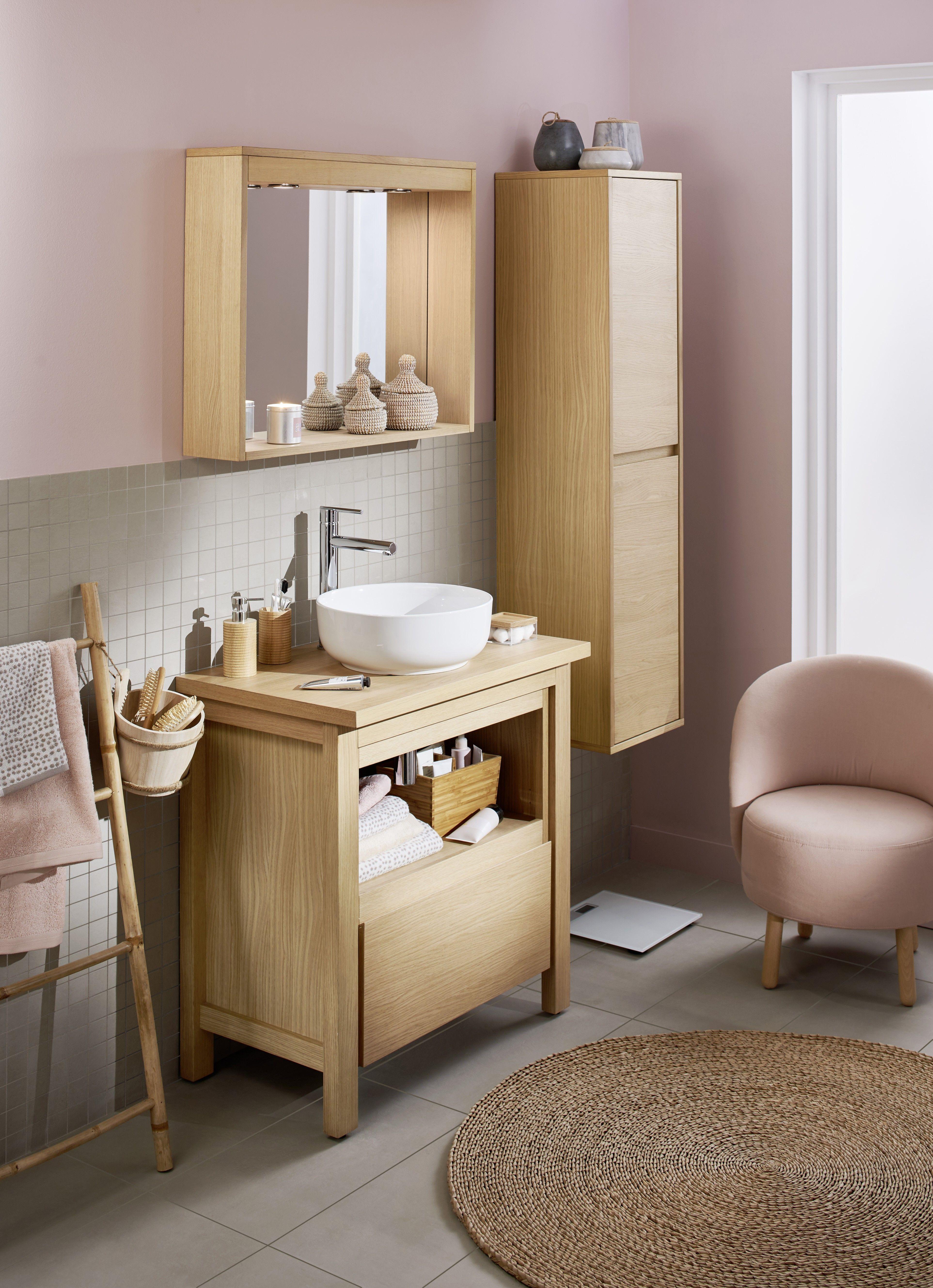 Une salle de bain chaleureuse grâce au mariage du bois et du rose ...