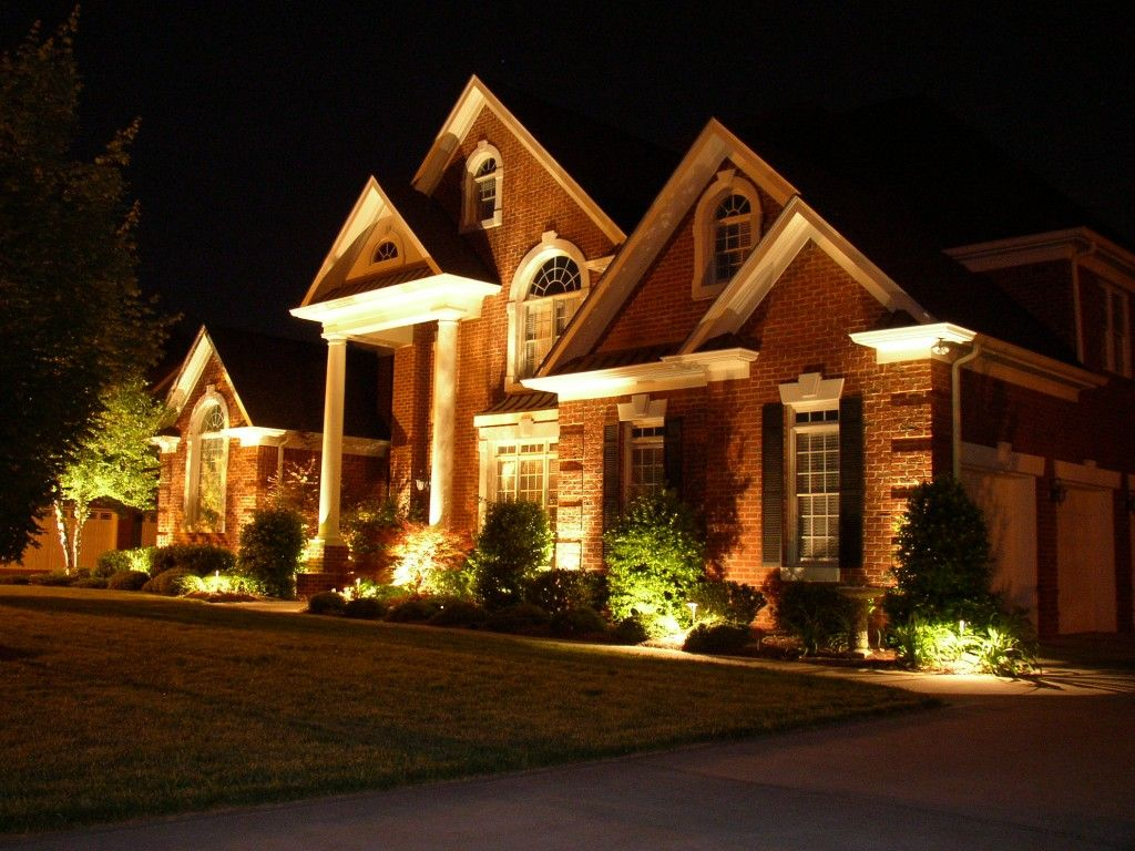 Landscape: Landscape Lighting Outside The House With Low Voltage LED ...