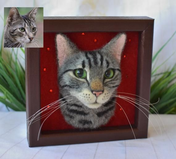Cat portrait sculpture in frame Needle felted Tabby Cat Felt Kitty Realistic cat felt portrait cat Shadow box frame Pet replica Wool Art #needlefeltedcat