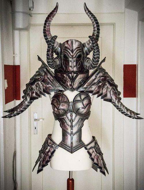 cosplay book DIY armor tutorial kamui Worbla | King Richards