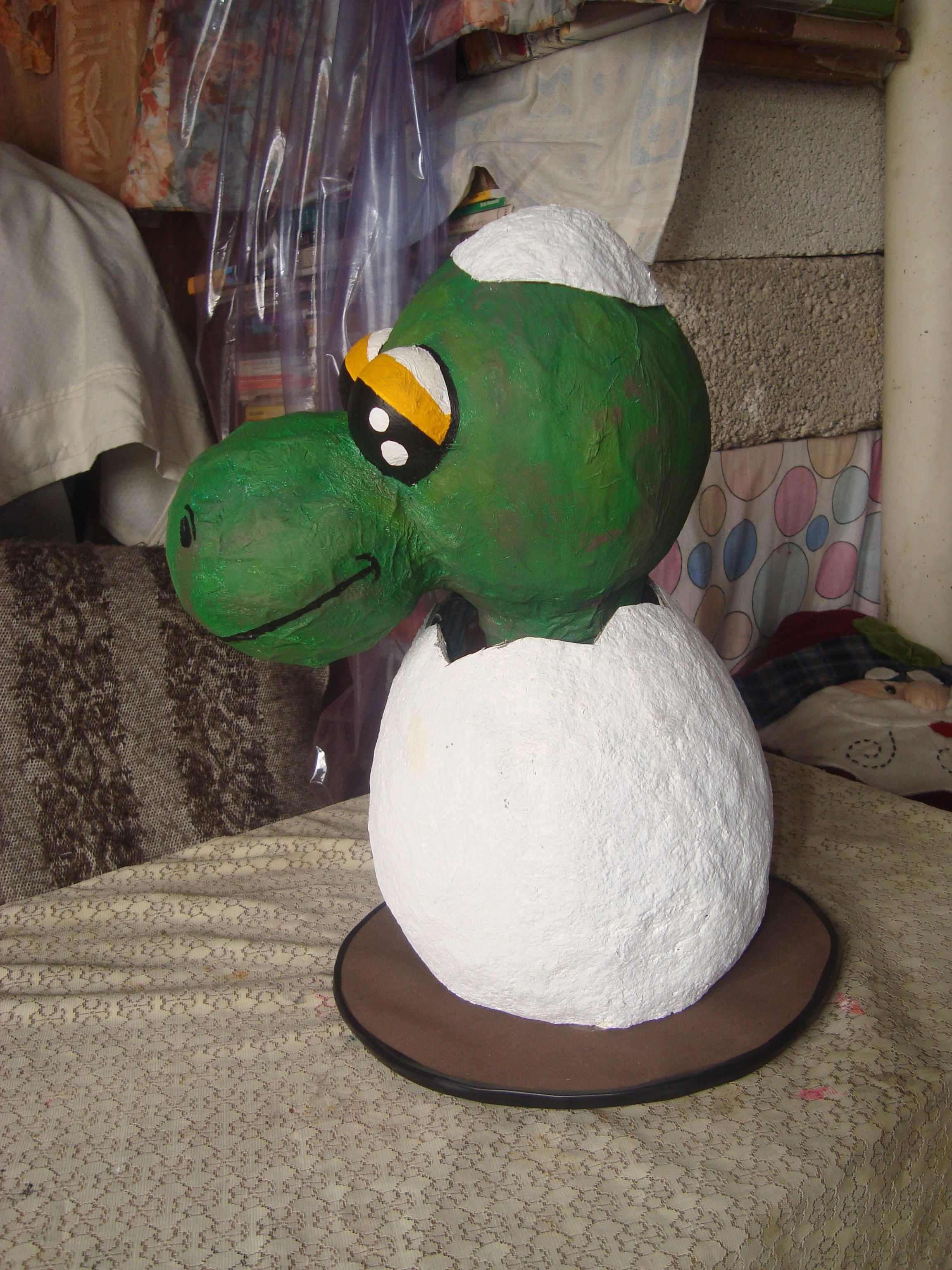 Dinosaurio Bebe Elaborado Con Periodico Y Engrudo Hay Un Tutorial En