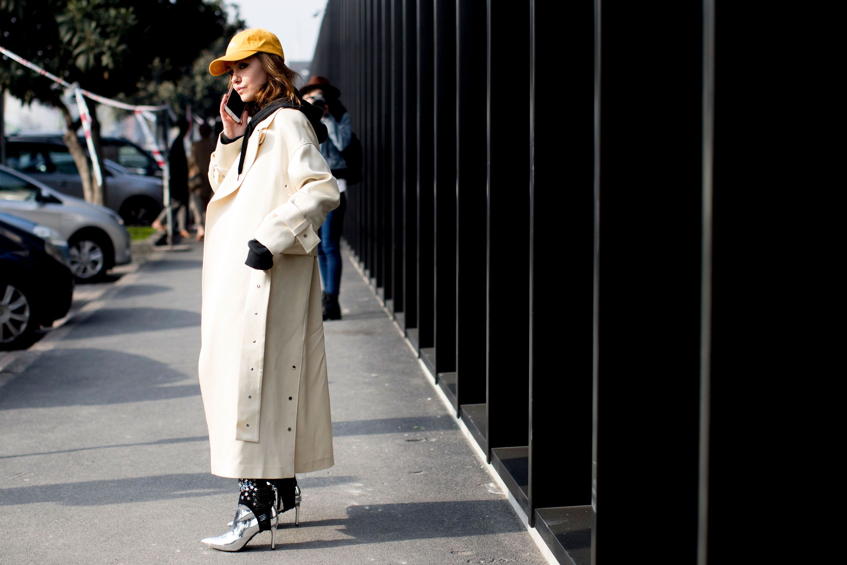 Milan Fashion Week Fall 2017 Street Style Day 1 - The Impression