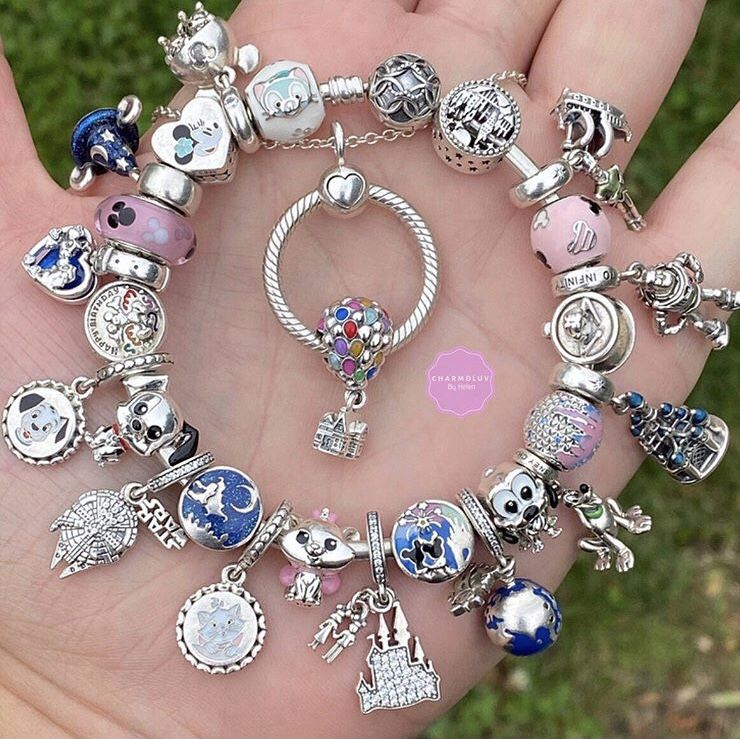 Pin By Jamie Babcock On Acessorios In 2020 Pandora Bracelet Charms Pandora Bracelets Disney Pandora Bracelet