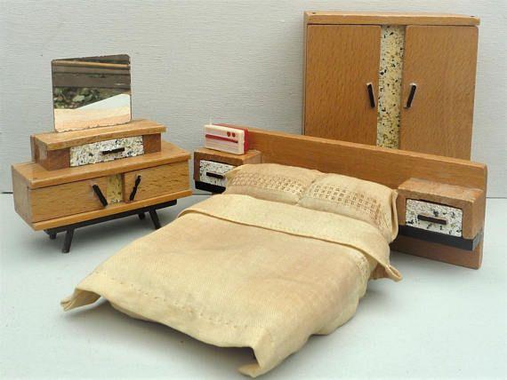 Dol Toi Dolls House Miniature Bedroom Furniture 1:16
