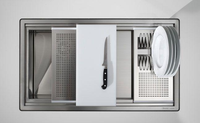 Evier et robinet du nouveau dans la cuisine - Vide sanitaire meuble cuisine ...