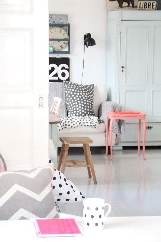 Sanfte Töne An Wänden U0026 Möbel. #KOLORAT #Möbel #streichen #Pastell.  WohnzimmerWohnenVilla KunterbuntSchwarz Weiß ...
